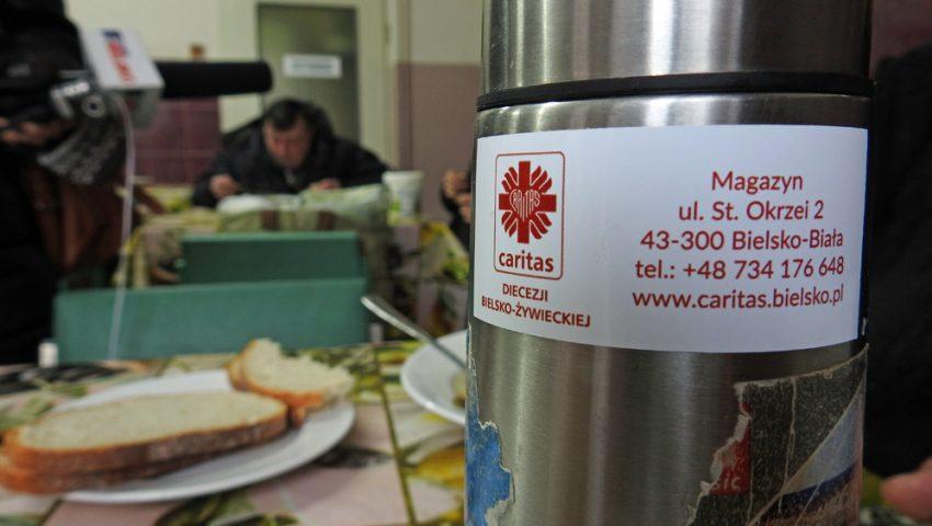 Ponad 200 Termosów Dla Bezdomnych I Ubogich Diecezja
